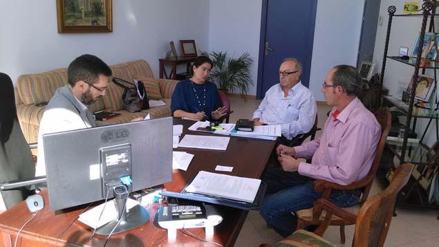 Reunión en Mayo entre ayuntamiento y la AAVV Santiago-Conchal-Castillo